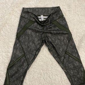 lululemon athletica Pants - Lulu Lemon workout capris